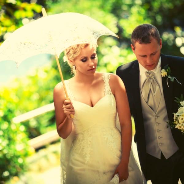 Ultimate guide: top 12 wedding umbrellas