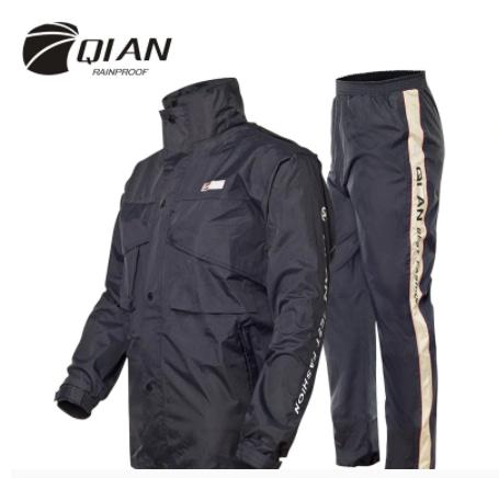 Hooded outdoor raincoat